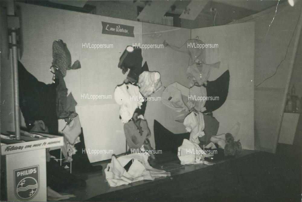 Verkoopshow bij Cafe Sloots (1959)