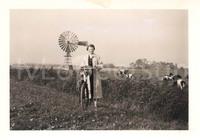 Onbekende dame met fiets